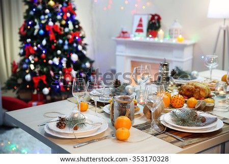 Table setting for Christmas dinner at home