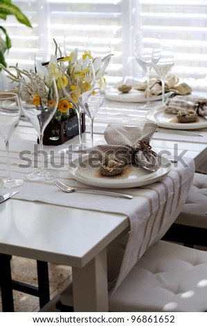 Table setting for easter