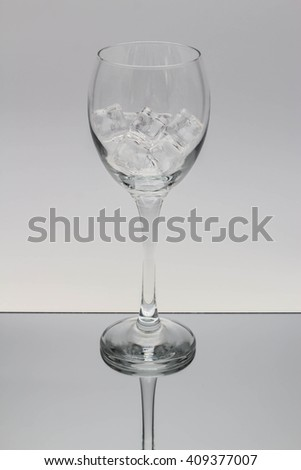 Tall Wine Glass with ice