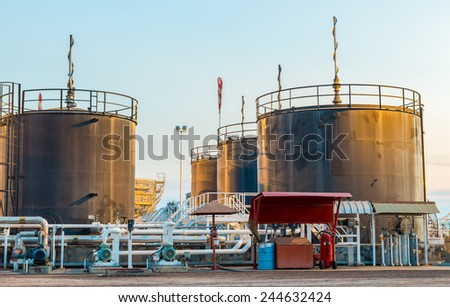 Tank storage crude Oil - stock photo