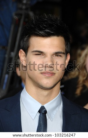 "Taylor Lautner  at the ""The Twilight Saga: New Moon"" Los Angeles Premiere, Mann Village Theatre, Westwood, Ca. 11-16-09"
