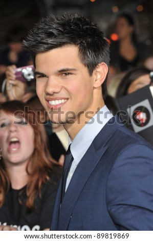 "Taylor Lautner at the world premiere of his new movie ""The Twilight Saga: New Moon"" at Mann Village & Bruin Theatres, Westwood. November 16, 2009  Los Angeles, CA Picture: Paul Smith / Featureflash"