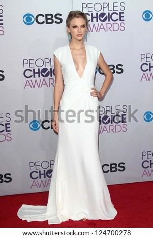 Taylor Swift at the 2013 People's Choice Awards Arrivals, Nokia Theater, Los Angeles, CA 01-09-13