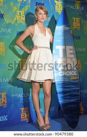 Taylor Swift at the 2011 Teen Choice Awards at the Gibson Amphitheatre, Universal Studios, Hollywood. August 7, 2011  Los Angeles, CA Picture: Paul Smith / Featureflash - stock photo