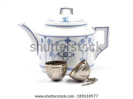 Teapot and tea ball