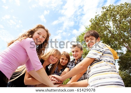 Teenagers laughing - stock photo