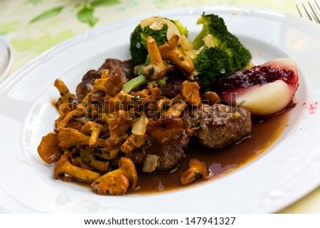 Tenderloin of Roe Deer Back with Chanterelle