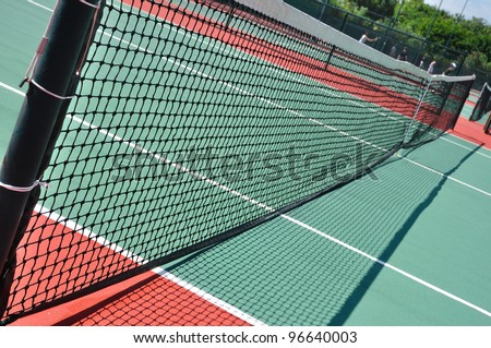 Tennis Court and Net on a Sunny Day