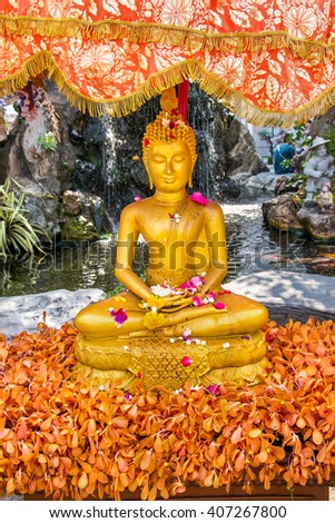 """Thailand New year holiday tradition vacation to water the monk or """"song nam pra"""" at """"Wat pho"""" famous Temple in Bangkok Thailand on 12 April 2016 - stock photo"""