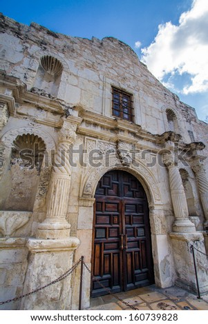 The Alamo, originally known as Mission San Antonio de Valero, is a former Roman Catholic mission and fortress compound and was the site of the Battle of the Alamo in 1836.