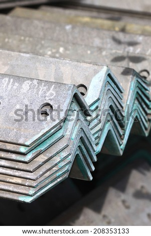 The arrangement of hot-dip steel angle before packing
