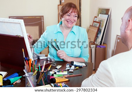 The artist draws portrait of a man