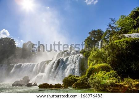 The Ban Gioc Waterfalls on the border with China, Cao Bang, Vietnam
