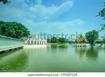 The beauty of the summer palace of Thailand since ancient times.