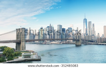 The Brooklyn Bridge and Downtown Manhattan, New York City.