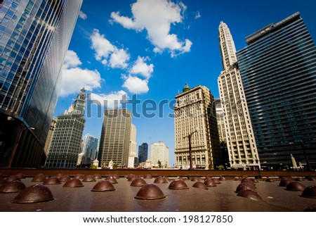 The buildings and architecture of Downtown Chicago, by the Chicago River between The Loop and the Magnificent Mile areas.