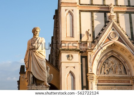 The facade of the Santa Croce basilica completed in the 14th century together with the 19th century statue of Dante Alighieri, Florency, Italy