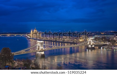 The famous Chain Bridge at night in Budapest, Hungary