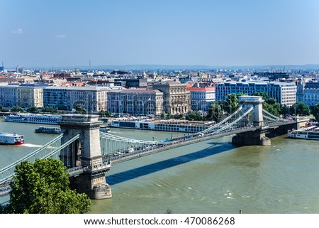 The famous Chain Bridge (1849) is a suspension bridge that spans the River Danube between Buda and Pest. Budapest, Hungary, Europe.