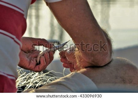 the fisherman's hands