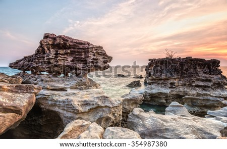 The fox limestone formation is toward the sun with the intercession tear formation The fox statue, truly evil wolf sunset towards the sun to make more interesting sunsets while watching - stock photo