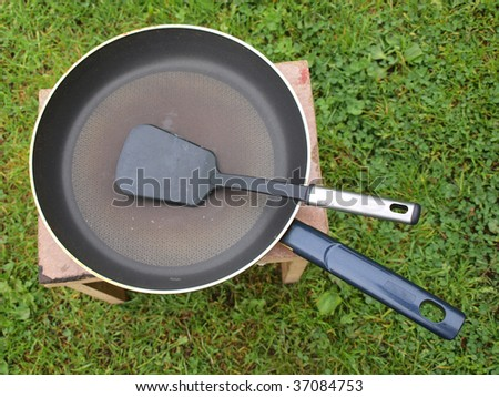 The frying pan, close up, view outdoor