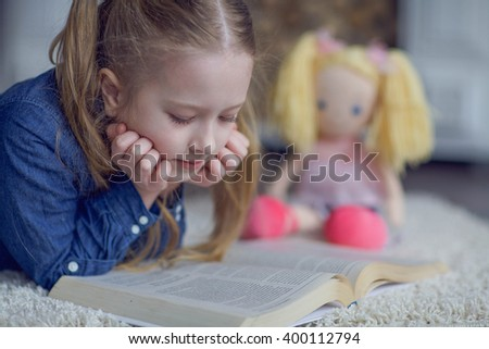 the girl reads