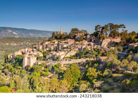 The hill top village of Bonnieux in Provence - stock photo