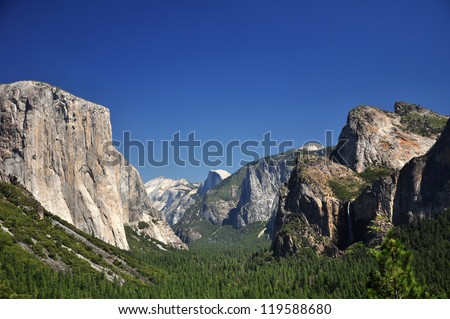 The Iconic View of Yosemite from Tunnel View with El Capitan and Half-Dome in Yosemite National Park