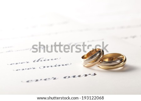 the image of wedding rings