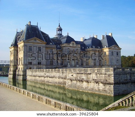 The Luxembourg palace (palais du Luxembourg), north of the Luxembourg garden (Jardin du Luxembourg), is the seat of French Senate government (S?nat Fran?ais) - Paris City