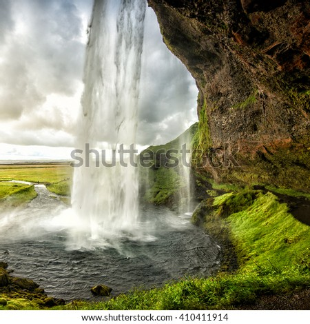 The most famoust Icelandic waterfall - Seljalandsfoss