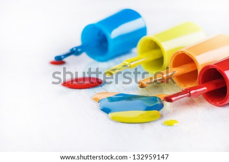 The multicolored brushes of enamel
