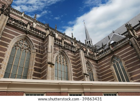 The Nieuwe Kerk cathedral on the Dam Square in Amsterdam, Holland.