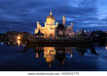 the Omar Ali Saifuddien mosque in the city of Bandar Seri Begawan in Brunei Darussalam on the island Borneo in southeastasia