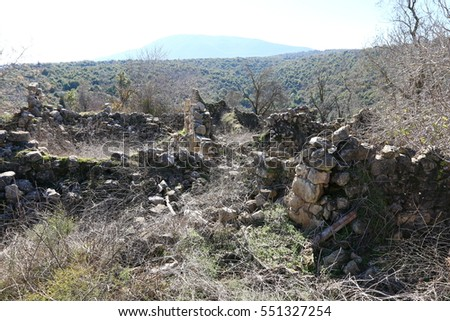 The park Baram in northern Israel are the ruins of the village and the church of the Maronites, Roman-Byzantine period.