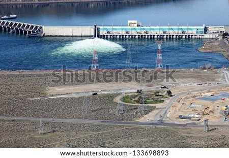The Priest Rapids hydroelectric dam on the Columbia River near Wenatchee Washington, USA.