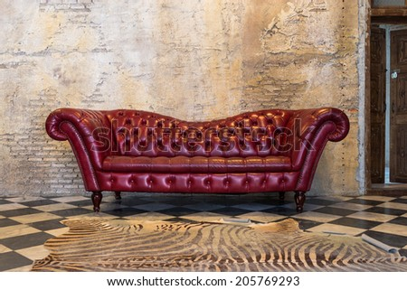 The red sofa