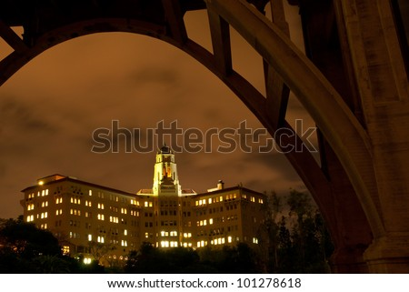 The Richard H. Chambers U.S. Court of Appeals for the Ninth Circuit Court building in Pasadena, California framed by the Colorado Street Bridge. - stock photo