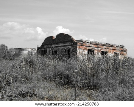 The ruins of the old broken house	 - stock photo