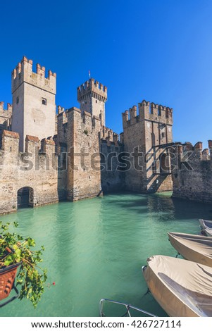 The Scaligero castle in Sirmione on lake Garda, Lombardia, Italia/Medieval castle