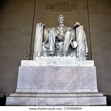 The Statue of President Abraham Lincoln at the Lincoln Memorial in Washington, D.C. / President Abraham Lincoln