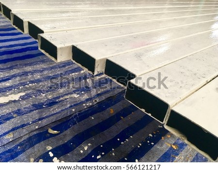 The Steel Tube Painting Top Coat For Construction.