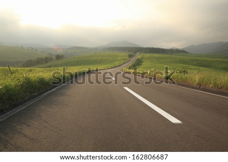 The straight road of twilight