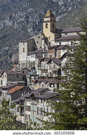 The town Saorge lies in the  Alpes-Maritimes and is due to its spectacular location, the village's most impressive throughout the Roya Valley - stock photo