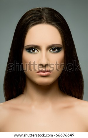 the very  pretty woman,  symmetry portrait fase , sensual strict  gaze...