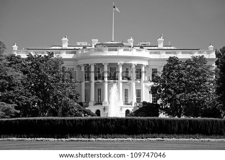 The White House in Washington DC in black and white