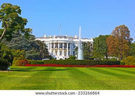 The White House, Washington DC, USA. The White House under a clear blue sky. - stock photo