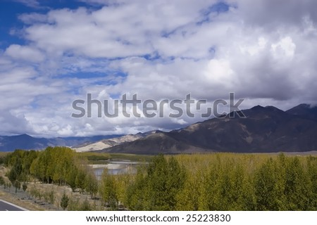The wilderness scenery of the Qinghai-Tibet Plateau