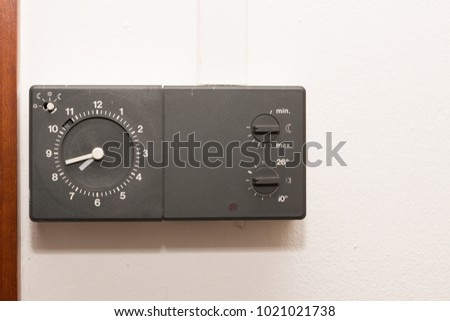 thermostat with clock for radiator